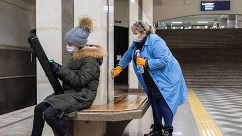 Почти 2 тысячи пассажиров без масок выявили за неделю в Казани  / Все нарушители надели средства защиты после замечаний
