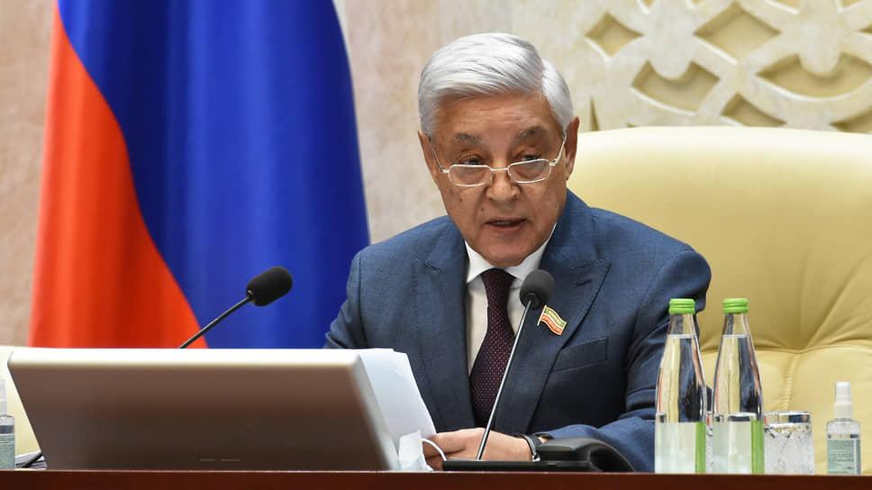 «Есть наша вина? Косвенно есть» / После трагедии в Казани депутаты хотят ограничить оборот оружия и свободу в соцсетях