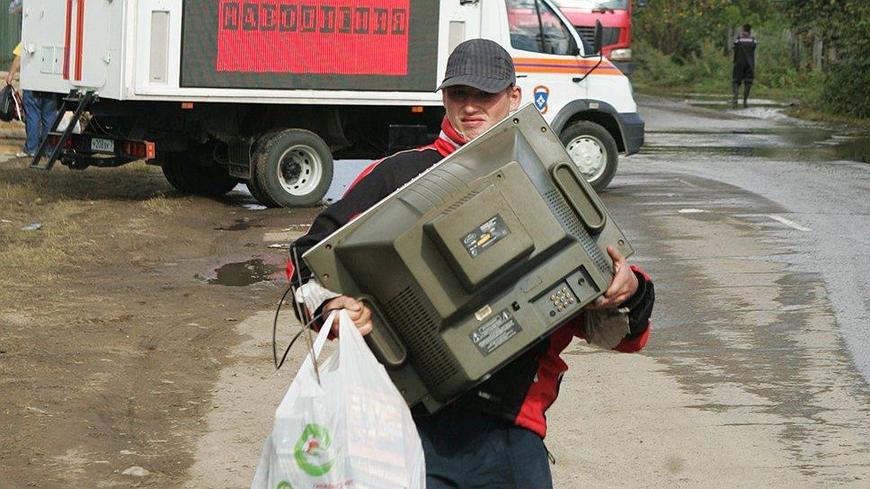 Жест телеканала большинство пострадавших от наводнения оценить не могло, так как их телевизоры по-прежнему не работают