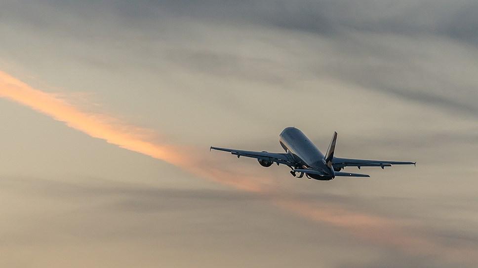 Как авиакомпания «Азимут» будет летать только на SSJ100