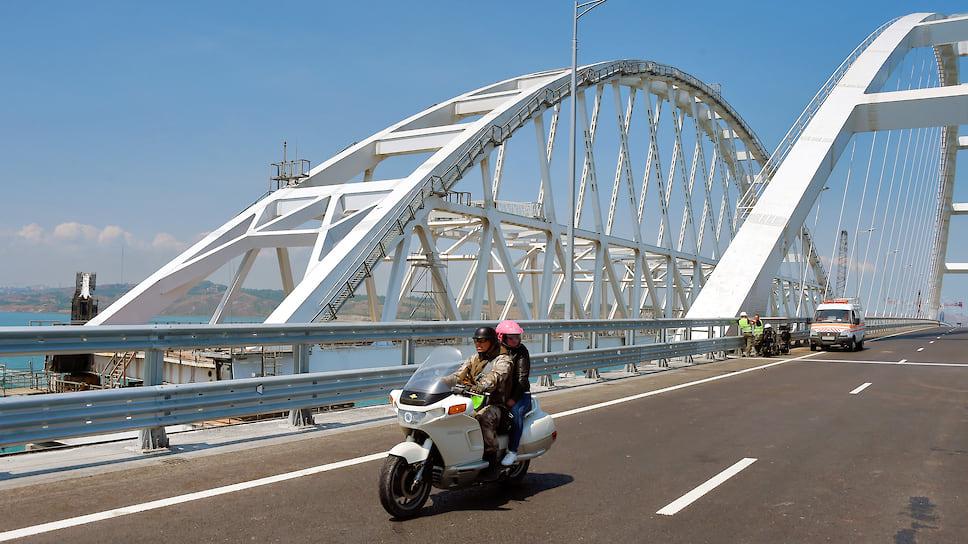 На экономике строительства моста сказались перебои вфинансировании исложность самого проекта
