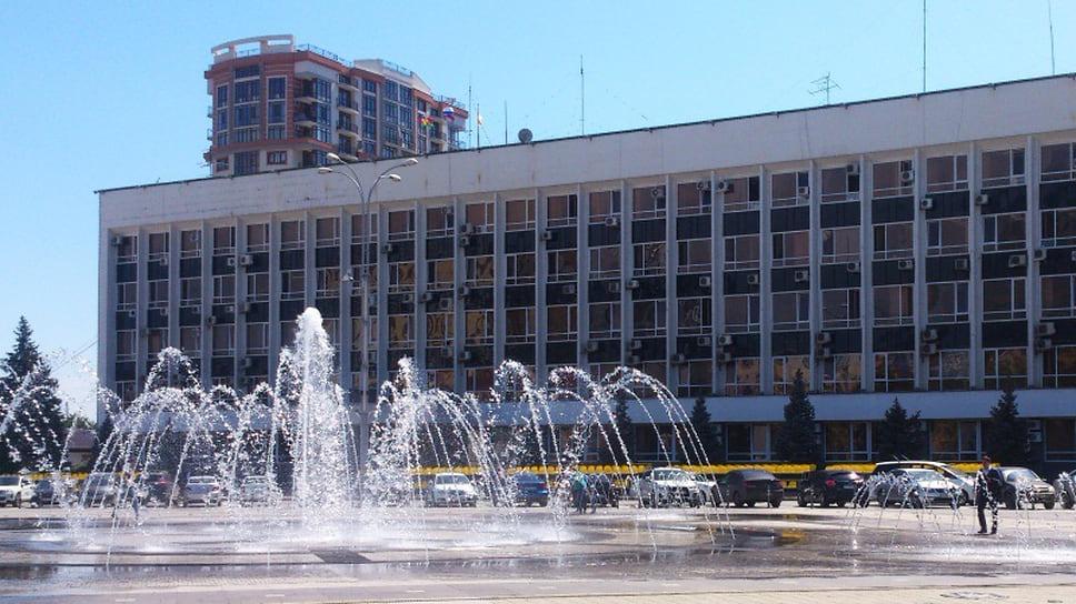 Мэрия обновила архитектуру / Два департамента администрации Краснодара получили новых руководителей