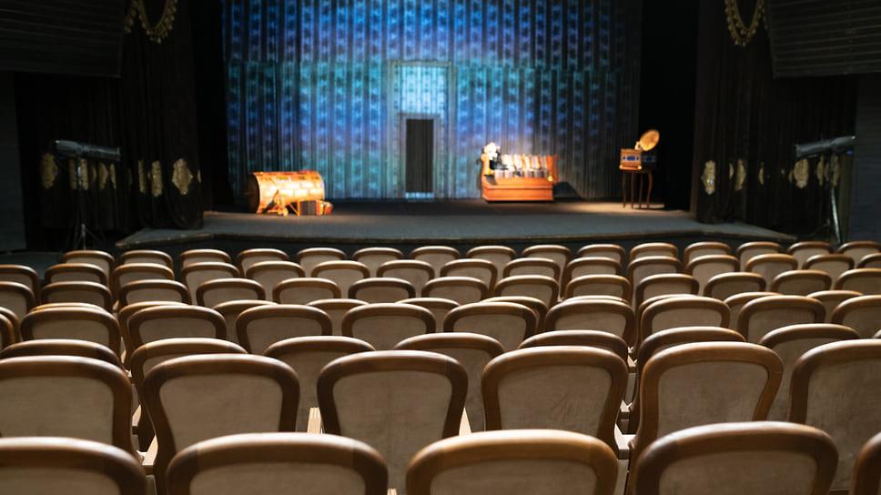 «Корона» займет на сиденья / Краснодарская фабрика театральных кресел потратит на расширение производства 570 млн рублей