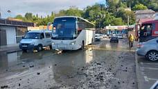 40 единиц техники устраняет последствия наводнения в Сочи