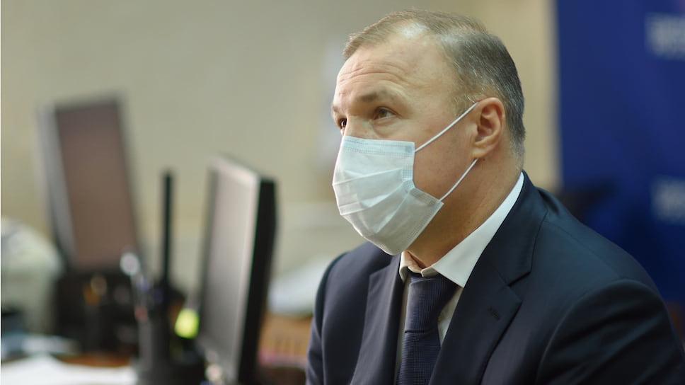 Глава Адыгеи Мурат Кумпилов тоже не пренебрегает средствами индивидуальной защиты