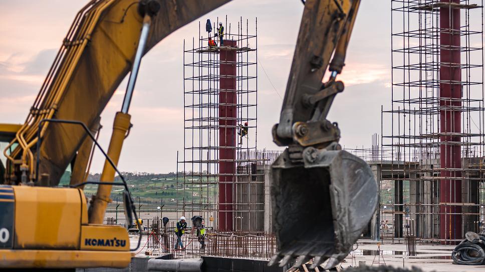 Здание будет криволинейным, высота терминала будет варьироваться от 8 до 23 метров.