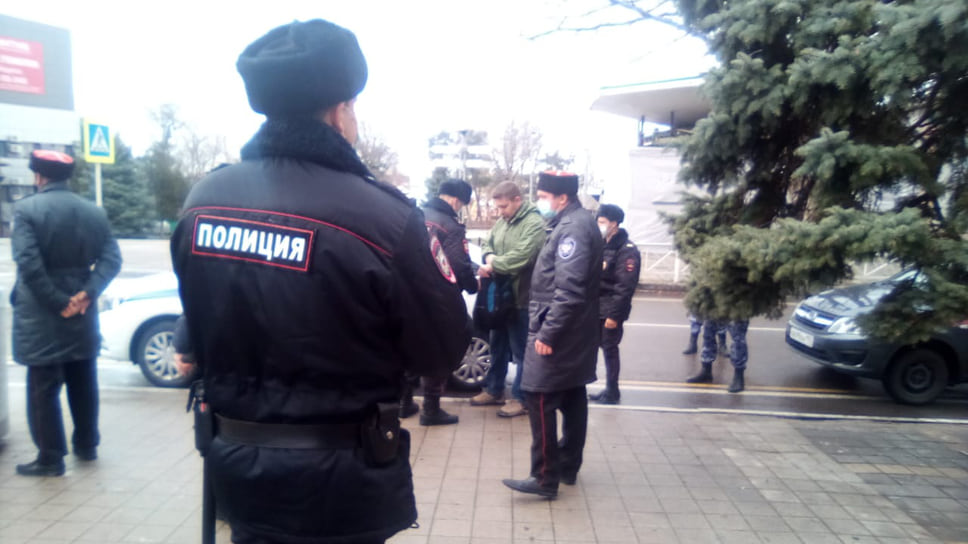 В Анапе полицейские дежурили на центральных улицах