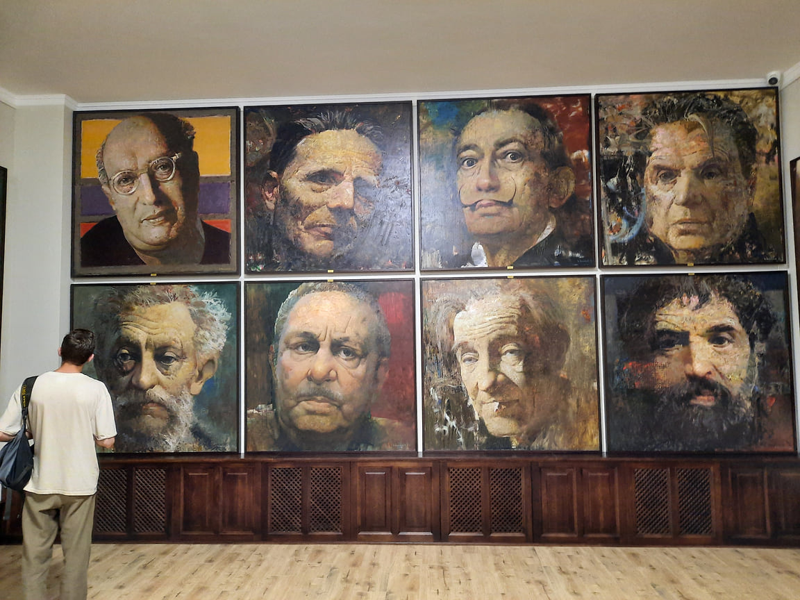 Коллекция «Дома искусств» представлена более чем 1 тыс. произведений искусств, в том числе более 600 экспонатов музея православной культуры