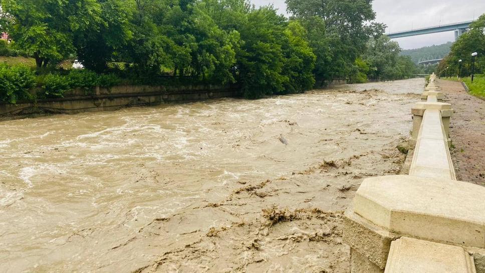 5 июля, Сочи. Критический подъем уровня рек Хорота и Мацеста.
