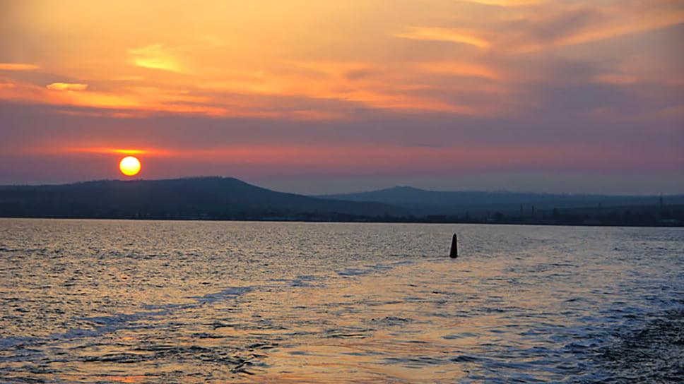 Закат солнца на Азовском море, Керченский пролив. Май 2011 года