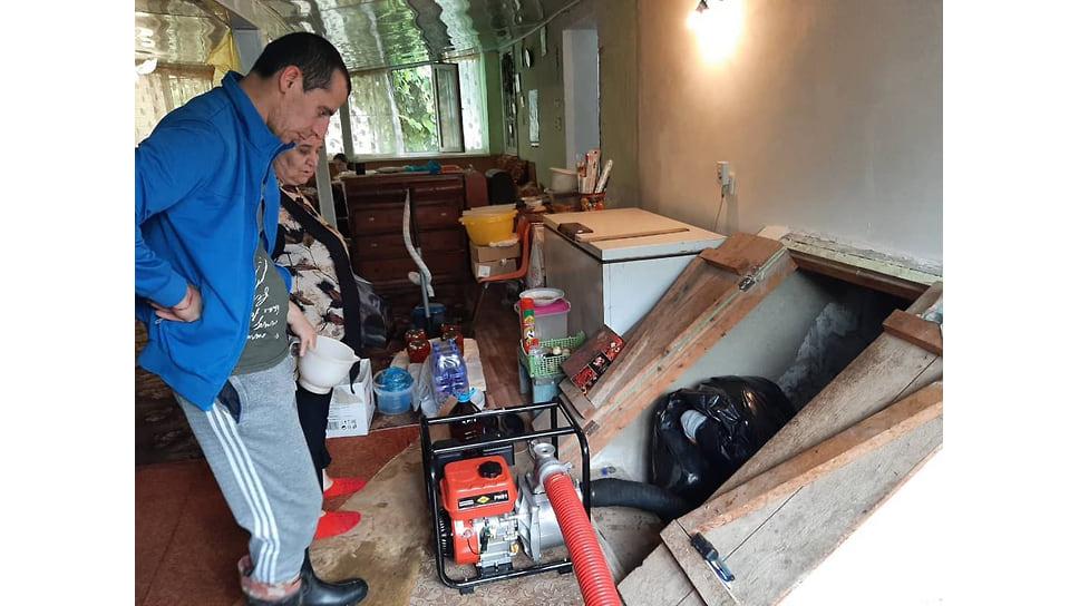 Август 2021 г. Откачка воды из домовладения в Темрюкском районе
