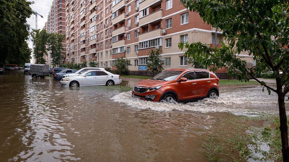 После аналогичного дождя ровно год назад в том же месте. Июль 2020 года