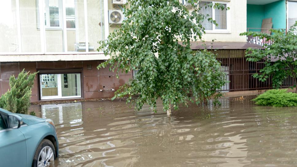 Придомовая территория под водой. Август 2021 года