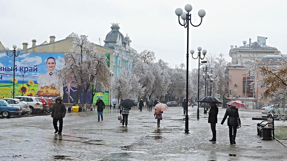 Площадь им. А.С. Пушкина после ледяного дождя в Краснодаре. Январь 2014 года