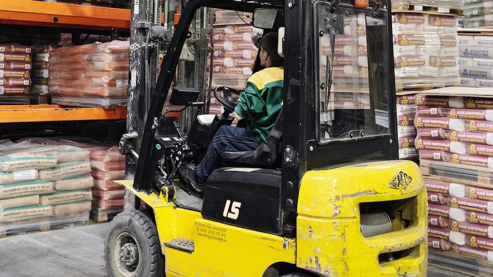 Наибольшую проблему испытывают дистрибьютеры, реализующие продукцию, рассчитанную не на профессиональных строителей