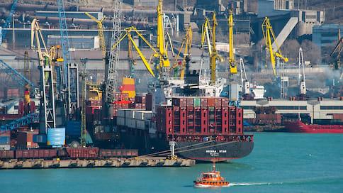 Экспортеры получают поддержку  / Новороссийские производители поставляют за рубеж цемент, химическую продукцию и пиломатериалы