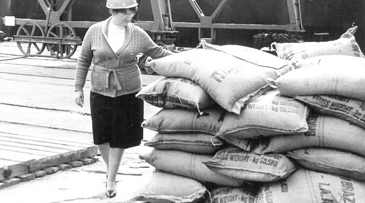 1984. Западный район порта. Выгрузка риса из судна