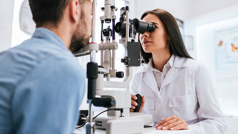 Смотри в оба  / После 40 лет зрение начинает подводить. Почему это происходит, чем опасно и что делать, чтобы минимизировать связанные с возрастом угрозы для зрения?