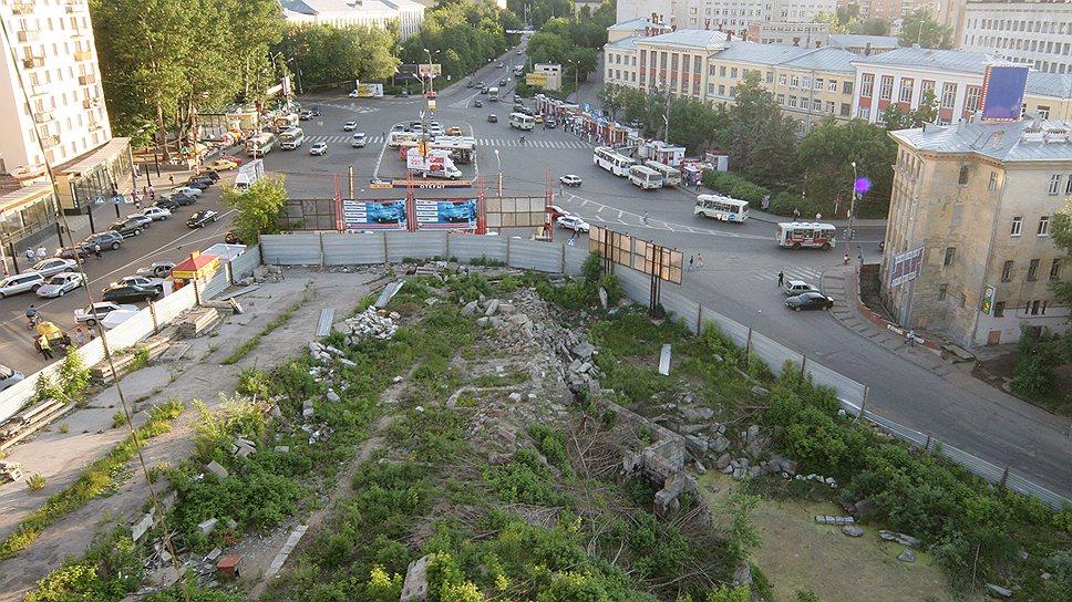 Переговоры засинимзабором / «Маринс Групп» продала участок на площади Свободы «Столице Нижний»