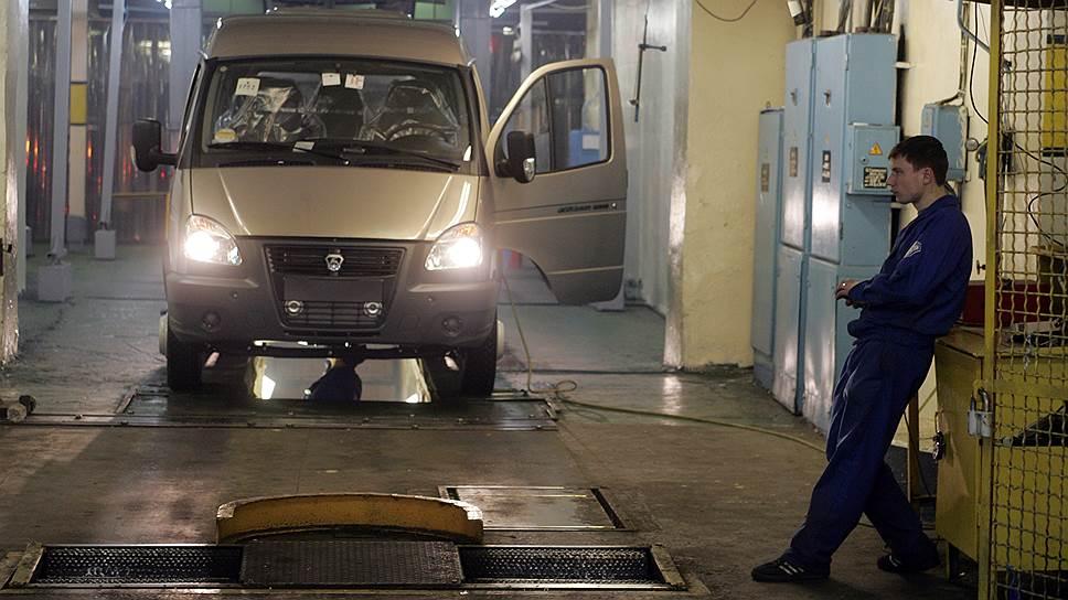 Рабочая неделя на ГАЗе сокращена только для менеджмента, но не для рабочих конвейера
