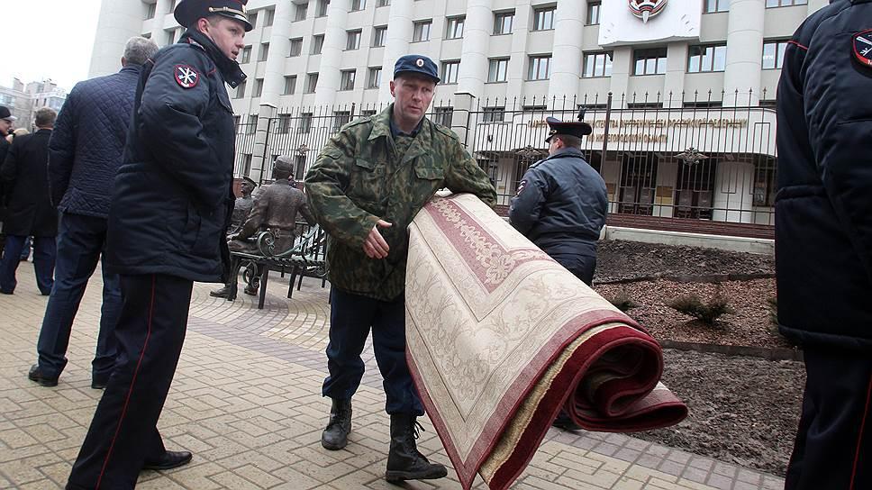 Третьим лучше не быть / Сотрудников областного управления МВД предупредили огрядущих сокращениях