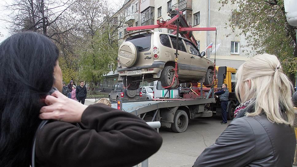 Нижегородцев, не согласных спринудительной эвакуацией автомобилей, поддержали в гордуме