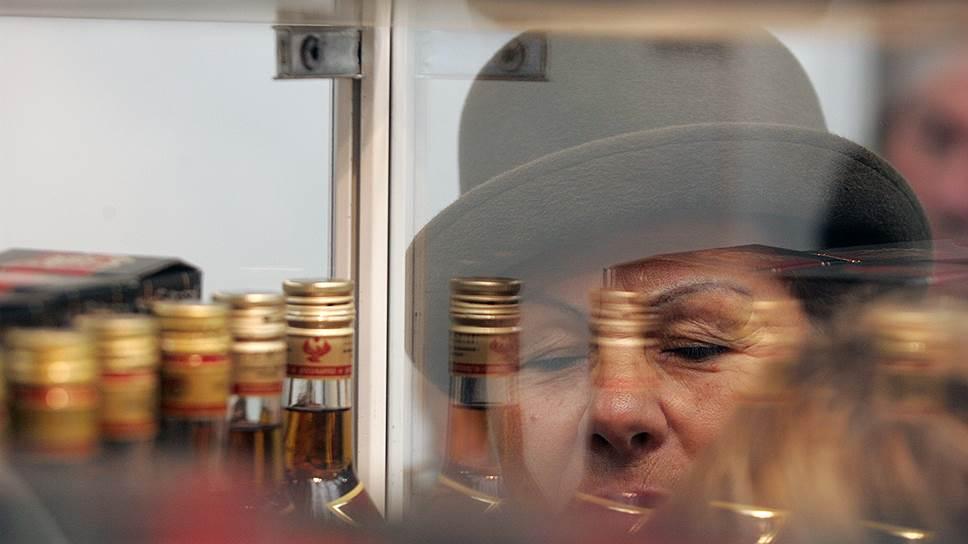 Первое антимонопольное предупреждение / ФАС предлагает отменить запрет на продажу алкоголя вжилыхдомах в Нижнем Новгороде