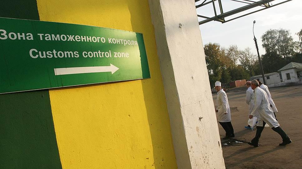Нефть отступает / В Нижегородской области несырьевой экспорт превысил сырьевой