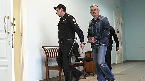 В Нижнем Новгороде пошли по главам // Силовики ищут бывшего сити-менеджера, его заместитель арестован