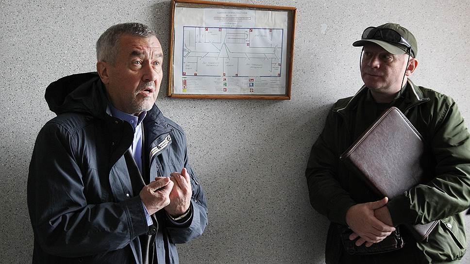 Владимиру Стравинскасу (слева) не удалось доказать свою невиновность, но он был частично оправдан