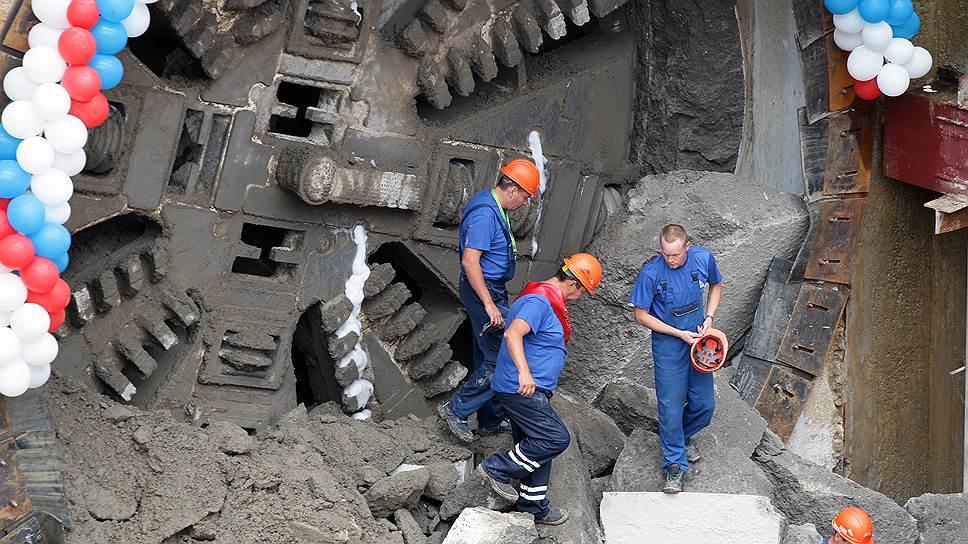 В метро раскопали неустойку / Нижний Новгород требует компенсировать нарушение сроков строительства «Стрелки»