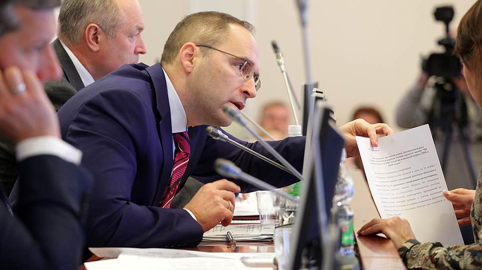 Нижегородское правительство невзяло «Высоту» / Депутаты подчеркнули неготовность министров обосновывать рядбюджетных расходов