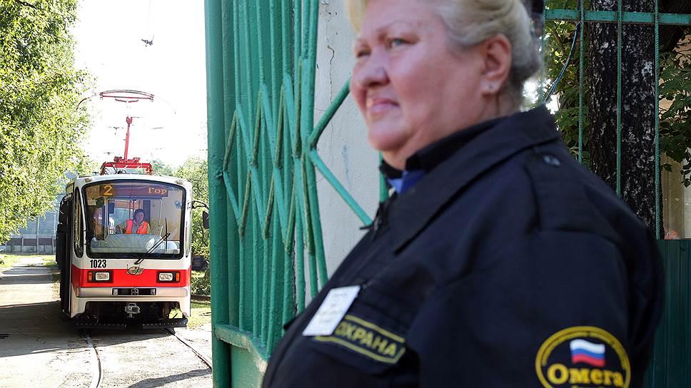 Правительство Москвы подарило городу 11 трамваев, однако мэрии пришлось оплатить их доставку и ремонт