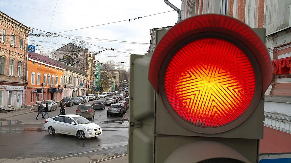 Для города просят зеленый свет / Мэра Нижнего Новгорода просят связать городские светофоры вединую автоматическую систему