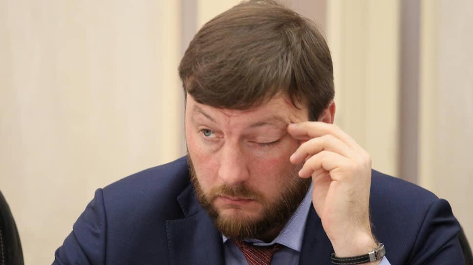 Министр свернул не туда / Вадим Власов покидает правительство Нижегородской области