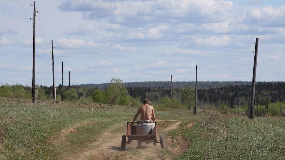 Чкаловск остановился наполпути / Городской округ согласовал строительство сельских дорог сограничениями
