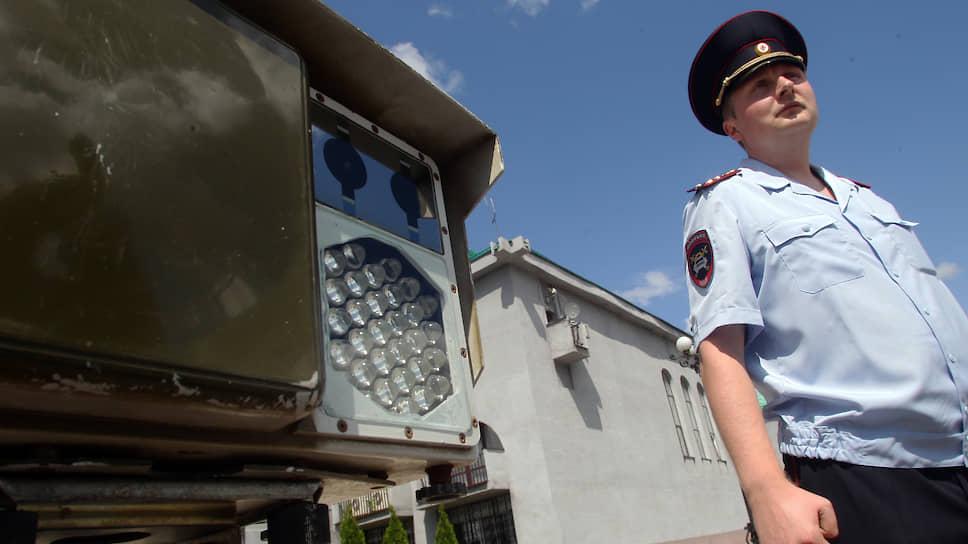 Не пустили за «Кордон» / Нижегородская область отказалась от поставки мобильных камер фиксации ПДД