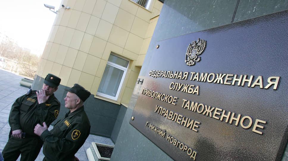 Импорт граничит с рисками / Нижегородский бизнес указывает на чрезмерный таможенный контроль