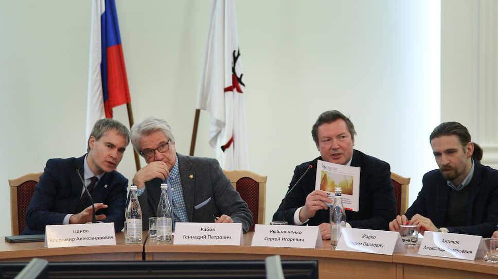 Отчетные маневры / Администрация Нижнего Новгорода потренировалась докладывать о нацпроектах