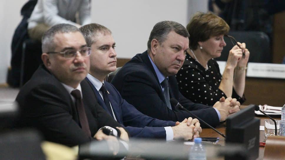 Нижний Новгород ответил, как крепкий «троечник» / Депутатов удовлетворил отчет мэрии о работе по нацпроектам