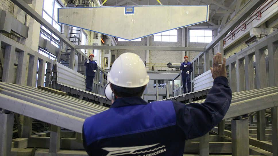 «Метеор» засветился / Нижегородские корабелы возрождают производство теплохода наподводных крыльях
