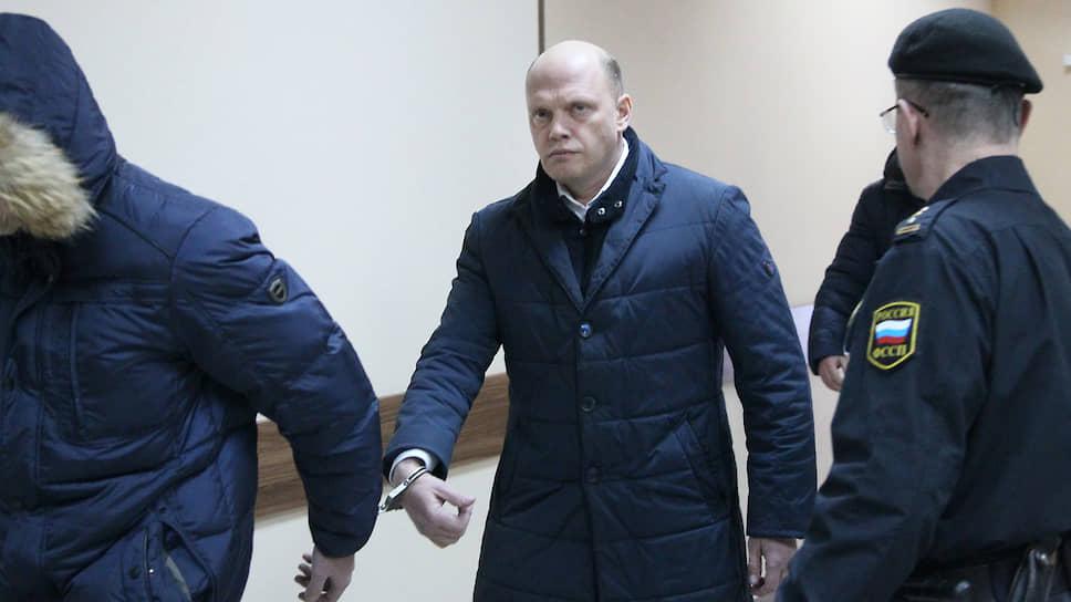 Главу подвели связи / Руководителя Канавинского района арестовали по обвинению вполучении взятки