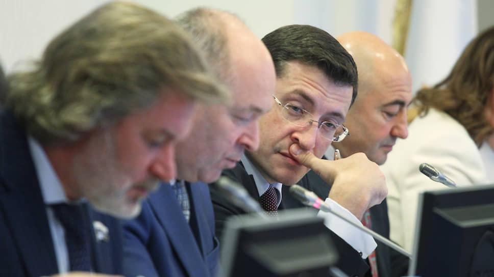 МСУ не хочет выпадать извертикали / Нижегородские депутаты нашли аргументы против прямых выборов