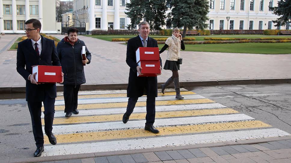 Вирусная атака на бюджет / Дефицит областной казны превысил 18 млрд рублей ипродолжит расти