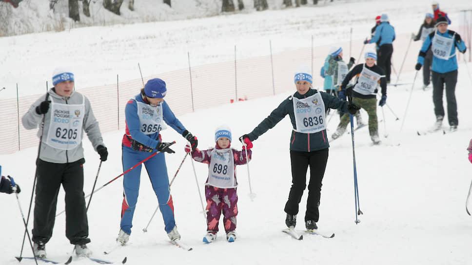 Лыжникам роют яму / Территорию тренировок в Дубравном оформляют под добычу песка