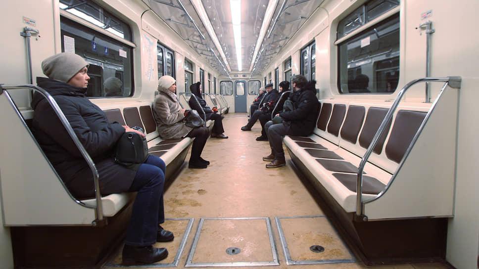 Подземка для заводов / Депутаты помечтали об увеличении пассажиропотока метро засчетновых рабочих мест