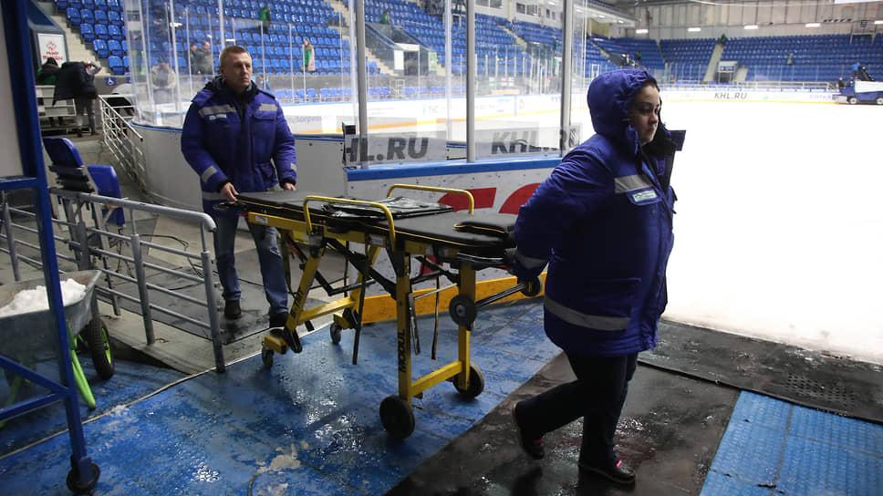 Картонные болельщики неприносят «деревянных» / Хоккеистам «Торпедо» добавили 150 млн рублей из бюджета на зарплаты