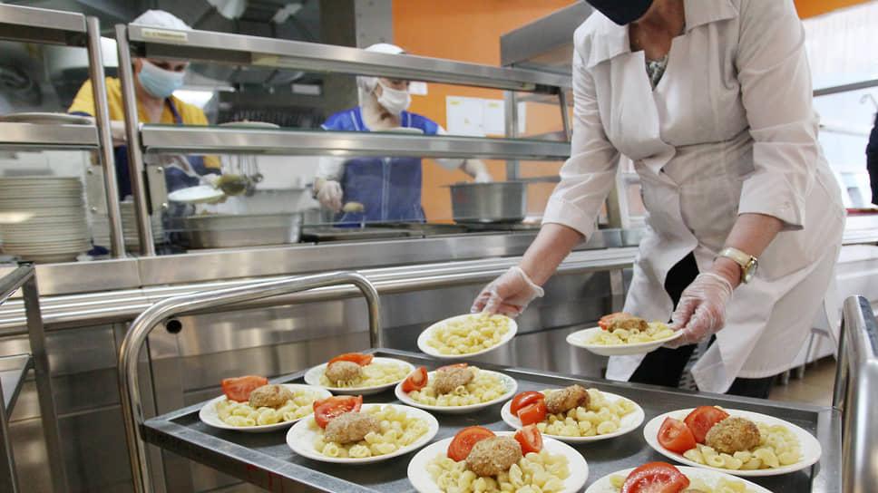 ЕЦМЗ настаивает, что проводит закупки продуктов для школьного питания по закону
