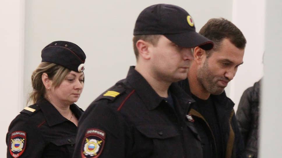 Оперативники не так накрыли / Нижегородских наркополицейских обвинили вподбрасываниинаркотиков