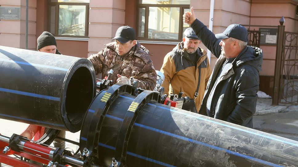 Конкурсы вылетают в трубу / Для строительства водоканализационных сетей в Дзержинске проведутповторные торги